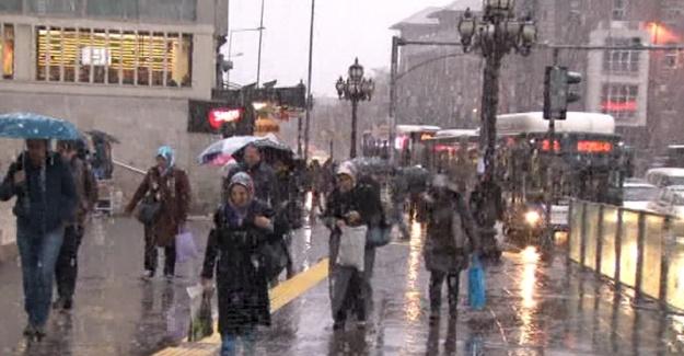 Başkentliler güne kar ile uyandı