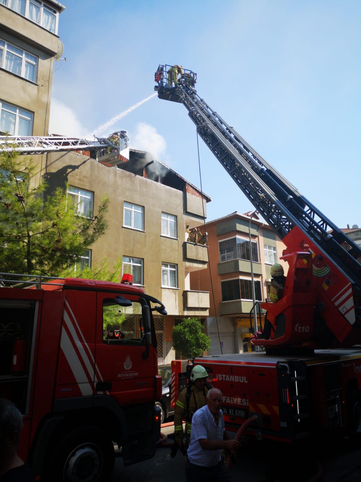 Kartal Belediyesi'nden yangında zarar gören binaya müdahale