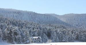 Doğa harikası Gölcük Gölü dondu