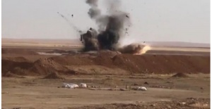 Barış Pınarı Harekatı  teröristlere ait bombalı araç ele geçirildi.