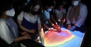 Bağcılar'da çocuklar bilimi seviyor