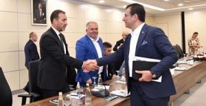 İmamoğlu, 37 İlçenin Başkanlarıyla Toplantı Yaptı