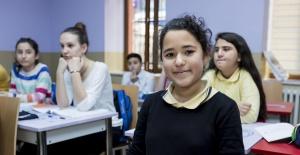 Bilgi Evleri ve Gençlik Merkezleri'nde Eğitim Yılı Başlıyor