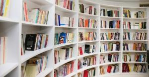 Sultangazi'de 3 kitap kafe hizmet vermeye başladı