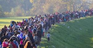 "Afgan göçüne vatandaş tepkili ""Ülkem işgal altında"""